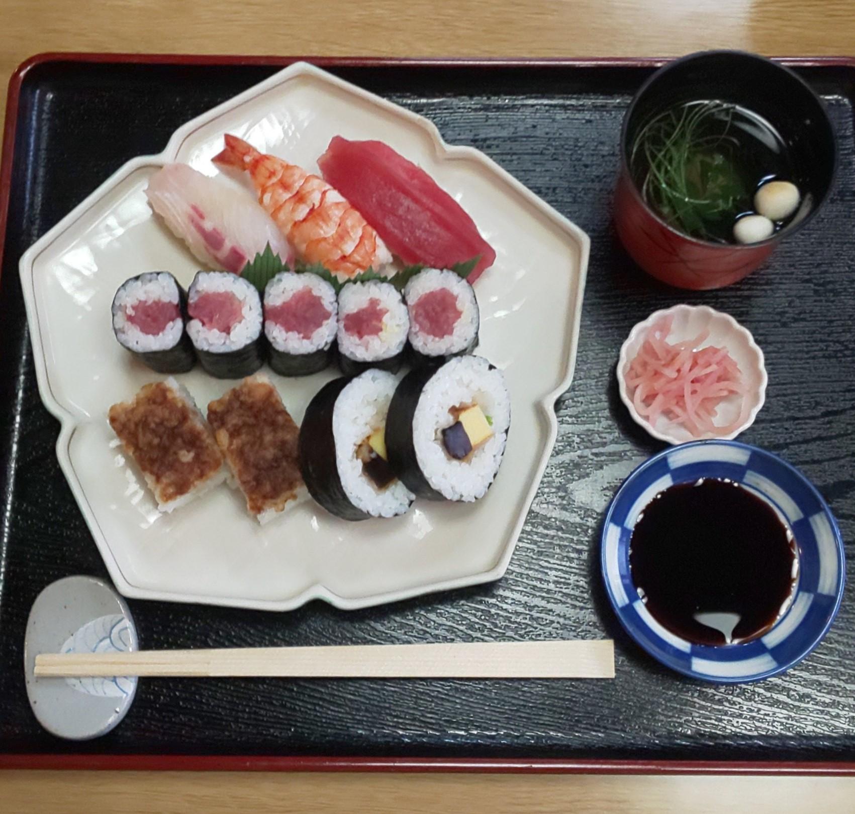 いづ源 寿司